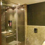 SHOWER CUBICLE 5